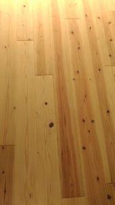 無垢の杉床